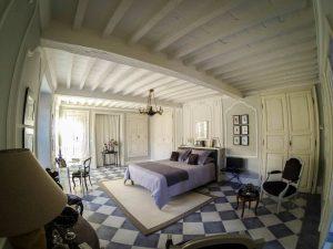 la-maison-d-aux-chambre-vestibule-wide2-la-romieu-chambres-hotes
