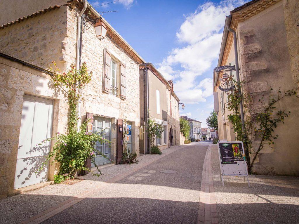 Het dorp la maison d 39 aux for Aux maisons maison les chaources